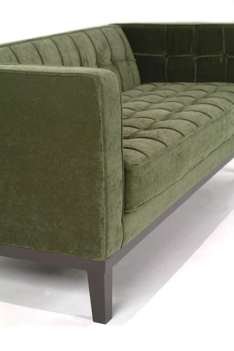 Charmant Roxbury Tufted Sofa (Green)   [LC10103GR]